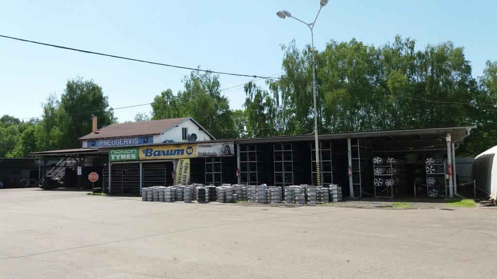 Areál firmy: Pneuservis osobní i nákladní