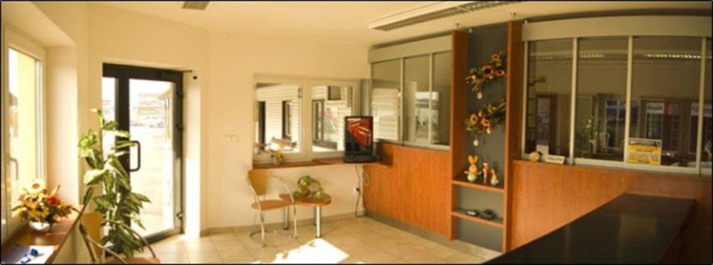 H+P Autodemont s.r.o., interiér, informace, prodejna, autolikvidace, náhradní díly